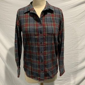 L.L. BEAN Slightly Fitted Scotch Plaid Flannel
